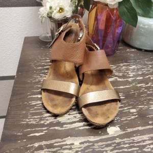 Sofft Vanita Metallic Gold Wedge Sandals